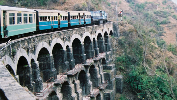 indian-train-bridge